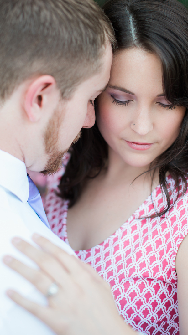 A Flirty And Fun Uptown Charlotte Engagement Session Bustld Planning Your Wedding Just Got
