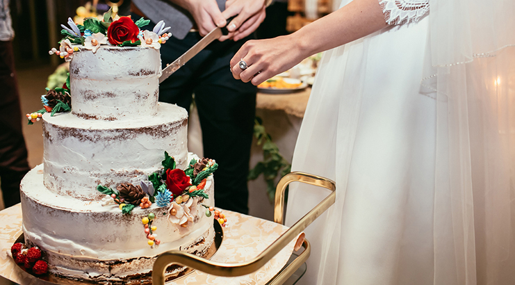 Why Do Wedding Cakes Cost More than Birthday Cakes?